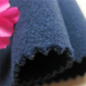 उच्च गुणवत्ता वाले निविड़ अंधकार टीपीयू मुद्रित बुना हुआ ध्रुवीय ऊन 3 परत टुकड़े टुकड़े मुलायम खोल कपड़े