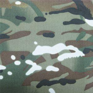 टेफ्लॉन 100% पॉलिएस्टर बुना हुआ निविड़ अंधकार आउटडोर सैन्य छद्म बारिश जैकेट कपड़े